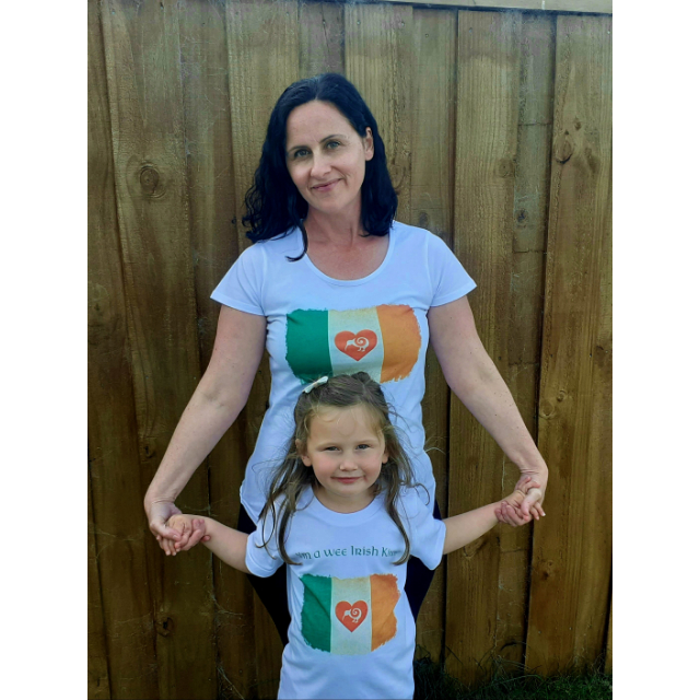 Celtic Kiwiana Mum and Daughter in T shirts